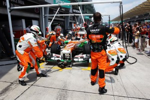 F1 pit crews feeling the pressure