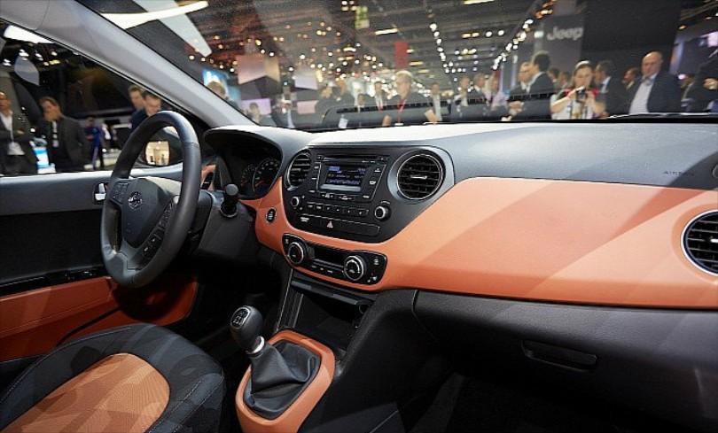 Hyundai-i10-interior