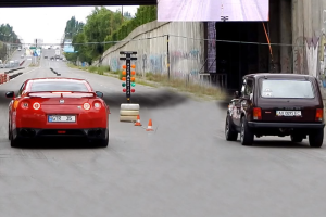 Κόντρα Nissan GT-R vs Lada Niva (video)