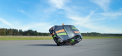 BMW σε δύο ρόδες με 186 km/h (video)