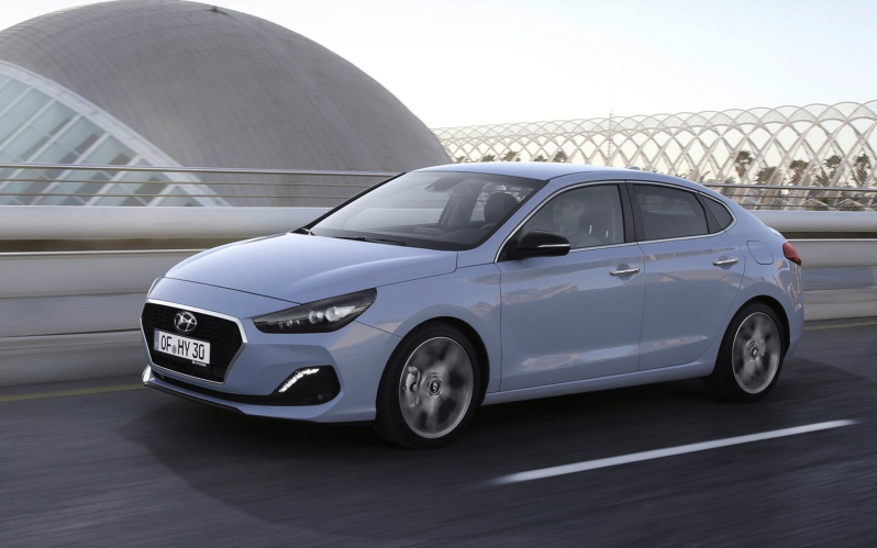 i30 FASTBACK 1.4 TURBO 140PS DISTINCTIVE 7-DCT