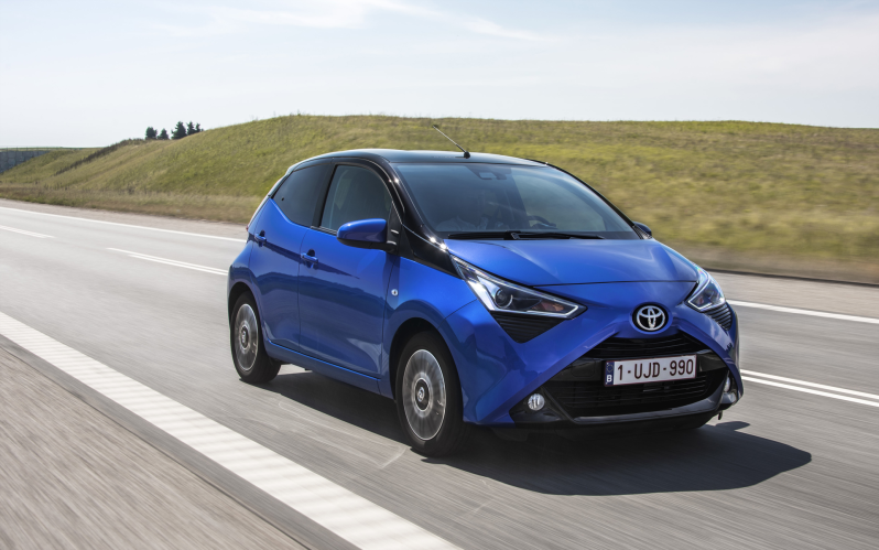 AYGO 5d 1.0 X-Play MMT