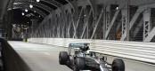 GP Σιγκαπούρης: Κέρδισε ο Hamilton, εγκατέλειψε ο Rosberg
