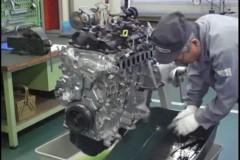 Video: Διαλύοντας έναν SKYACTIV-D