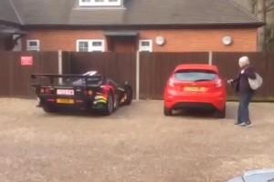 McLaren τρομάζει ηλικιωμένη κυρία (VIDEO)