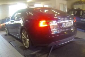 Ένα Tesla καταστρέφει το δυναμόμετρο (VIDEO)