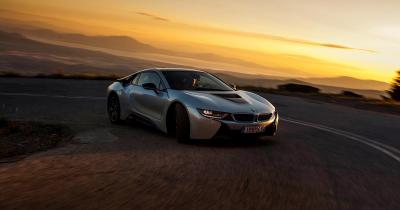 ΔΟΚΙΜΗ: BMW i8. e-πανάσταση!