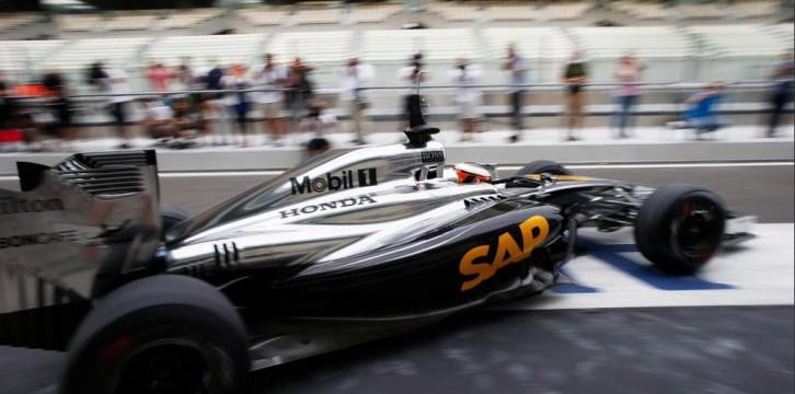 Με το... αριστερό ξεκίνησε η McLaren-Honda