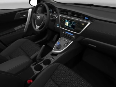 Toyota-Auris-Hybrid-Interior-design-2013