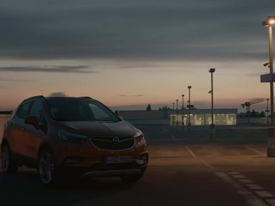 Opel Mokka X 2016 - adaptive lights
