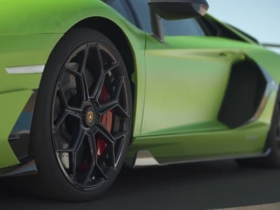 Lamborghini Aventador SVJ με launch control 0-270 km/h