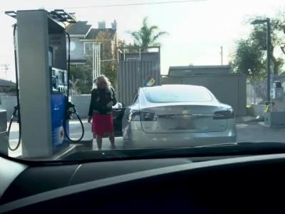 Βενζίνη σε... Tesla;