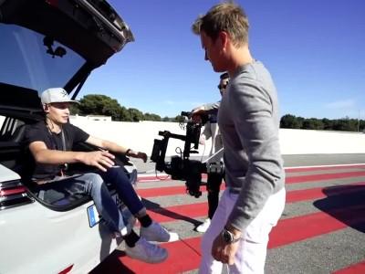 O Nico Rosberg ωθεί μια Ferrari 488 Pista στα όριά της