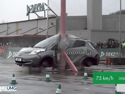 Δοκιμή πλευρικής πρόσκρουσης Nissan Leaf από τον οργανισμό DEKRA