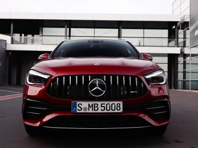 Η νέα Mercedes-AMG GLA 35 4MATIC