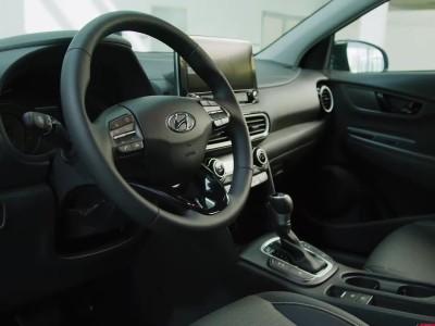 Ο Πάνος Κεφαλάκης παρουσιάζει το Hyundai Kona Hybrid
