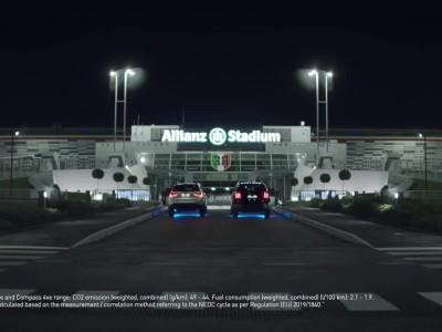 Οι παίκτες της Juventus με τα νέα Jeep 4xe