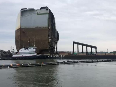 Κόβουν σε φέτες το πλοίο Golden Ray που μετέφερε αυτοκίνητα