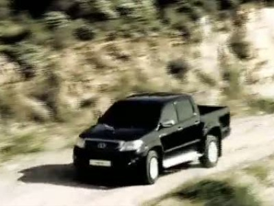 Toyota Hilux 2011: Unstoppable